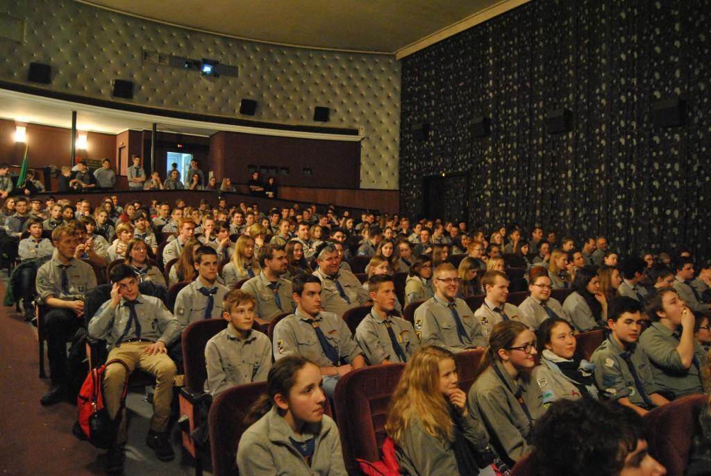 240 Pfadfinder sind zur Filmpremiere nach Metzingen gereist